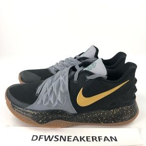 Nike iD Kyrie Low Men's Size 11 Basketball Shoes